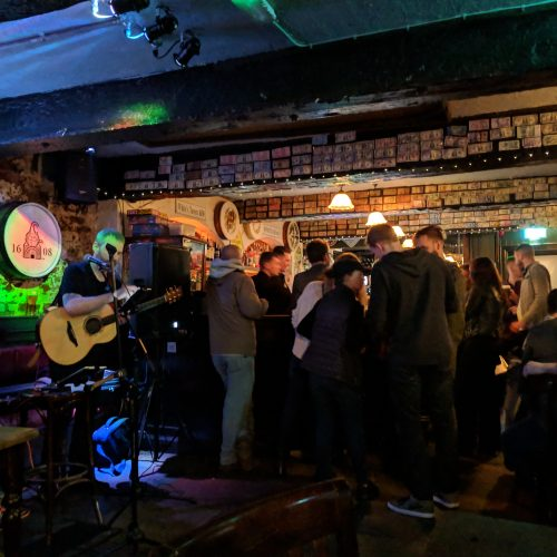 crowded irish bar